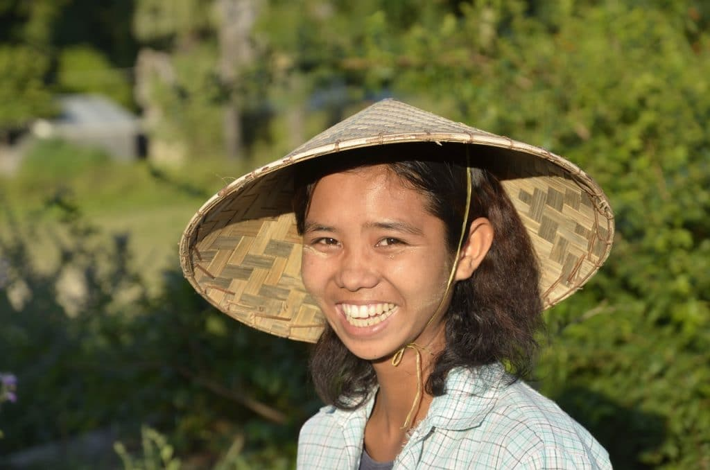 Marije wil graag meer vrouwen op de werkvloer zien in Myanmar. Toch is het onderwerp niet eenvoudig bespreekbaar merkt ze.